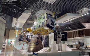 探査機はやぶさ実物大模型